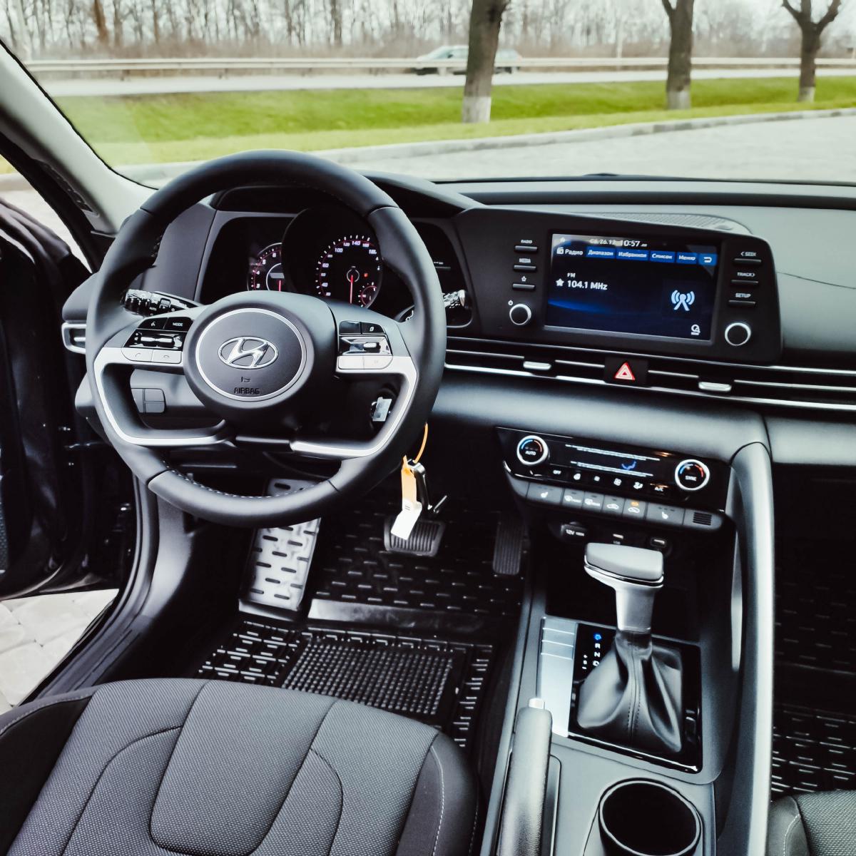 Поставте під сумніви старі правила разом з Hyundai New Elantra! | Хюндай Мотор Україна - фото 15